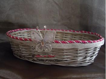 Idees originale pour mariage theme papillon theme - Decorer un panier en osier ...