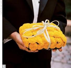 porte-alliance-original-fleurs-pour-mariage-champetre-nature-couleur ...